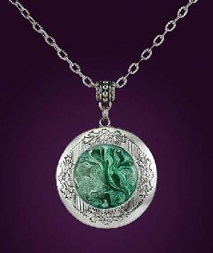 Prosperity charms to attract money and good luck - Spell Caster Maxim
