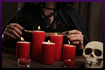 Witch cast dark love spell rituall